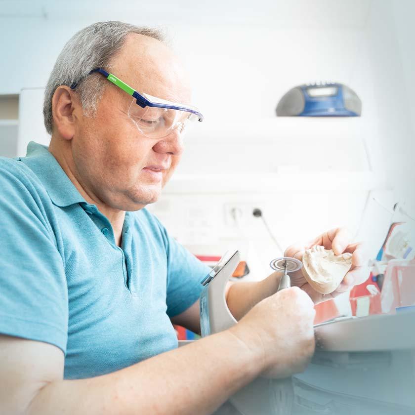 weickum zahnarzt zahnarztpraxis mannheim behandlungsspektrum zahntechnik